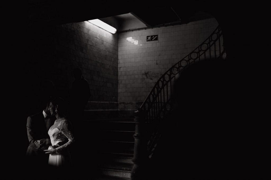 retrato de noivos no mercado do Bolhão
