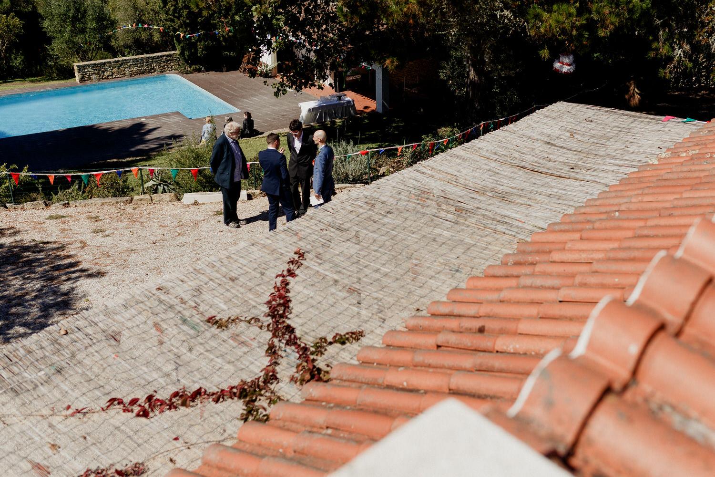 convidados do casamento a conversar