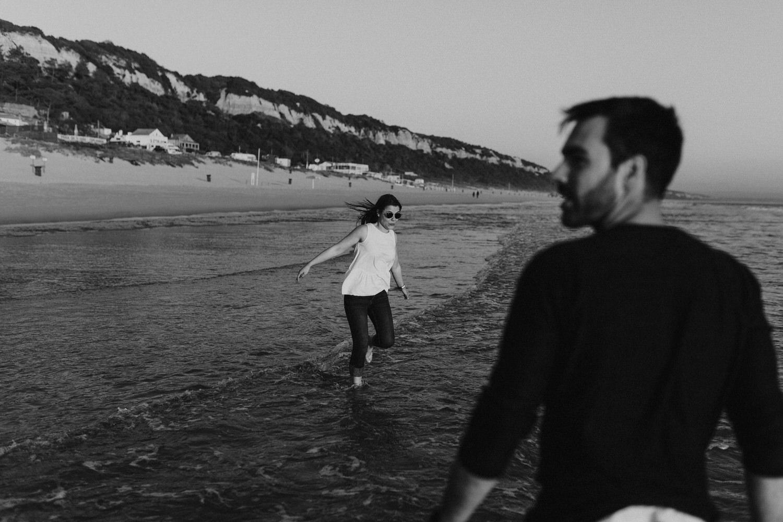 retrato artístico de namorados a serem fotografados na praia