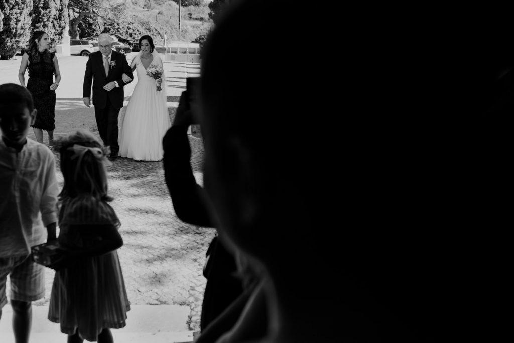 noiva caminha para o convento dos capuchos